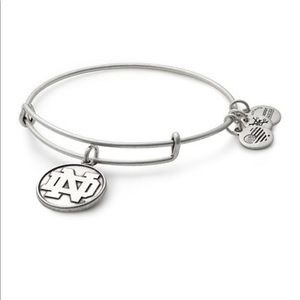 NWOT Alex and Ani Notre Dame Bangle